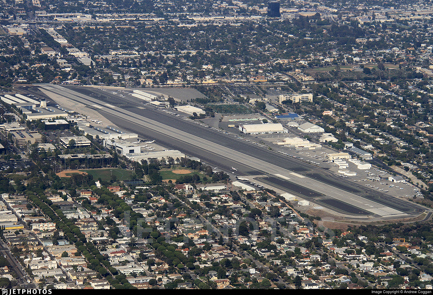 KSMO - Airport - Airport Overview