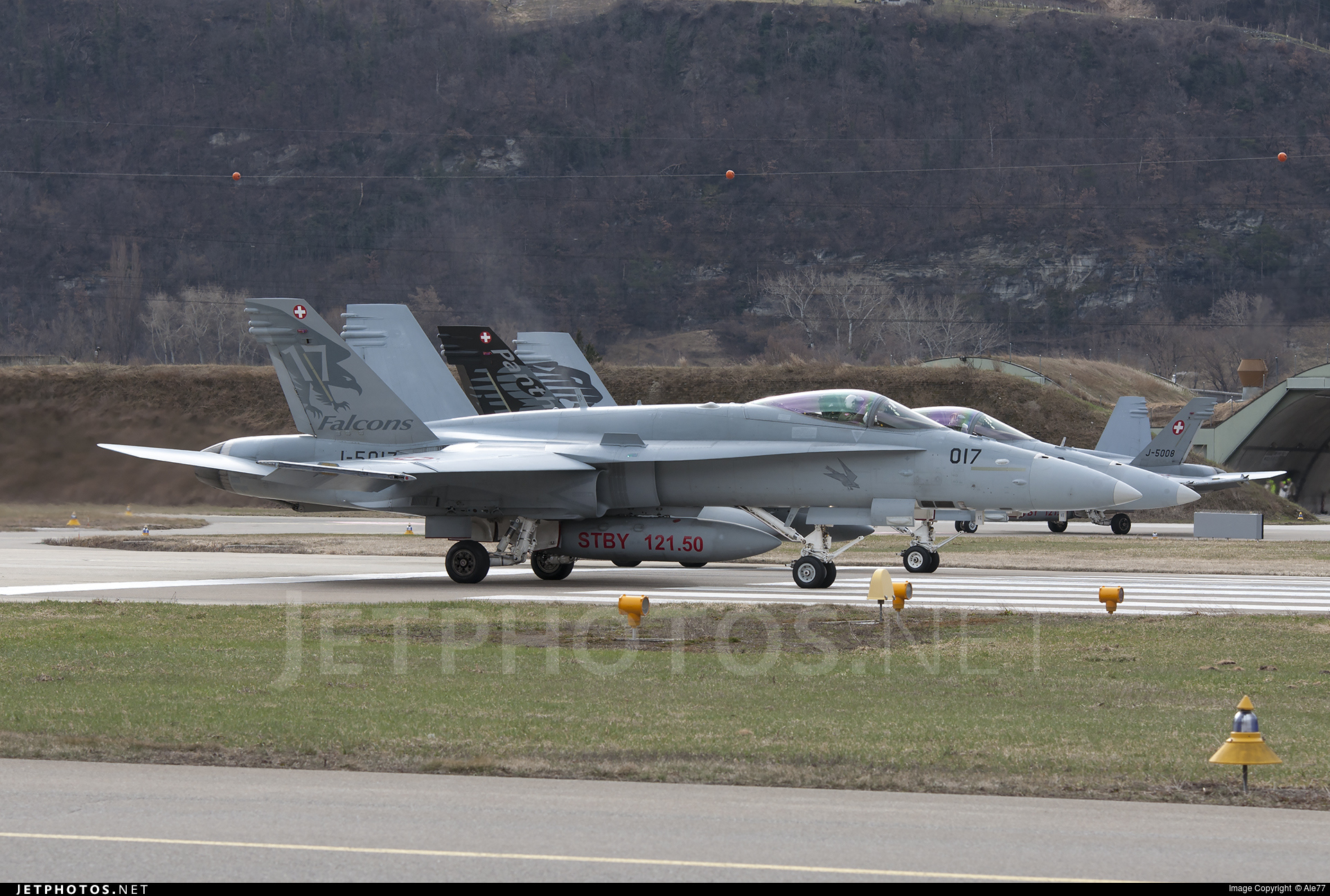 J-5017 - McDonnell Douglas F/A-18C Hornet - Switzerland - Air Force