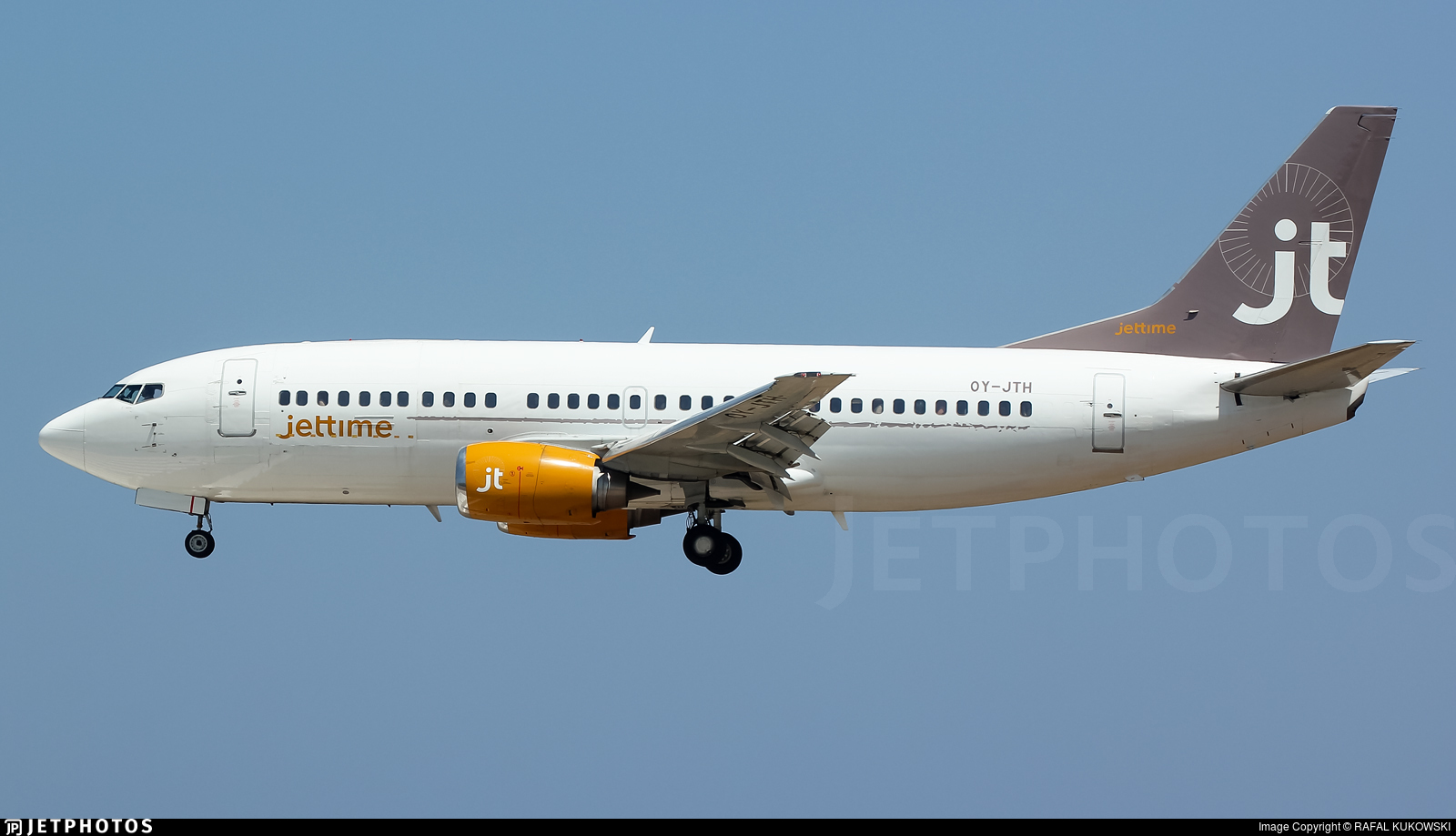 OY-JTH - Boeing 737-3Y0(QC) - Jettime