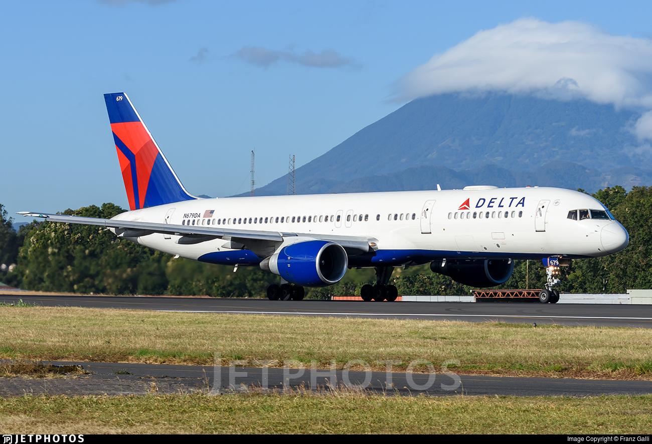 N679DA - Boeing 757-232 - Delta Air Lines