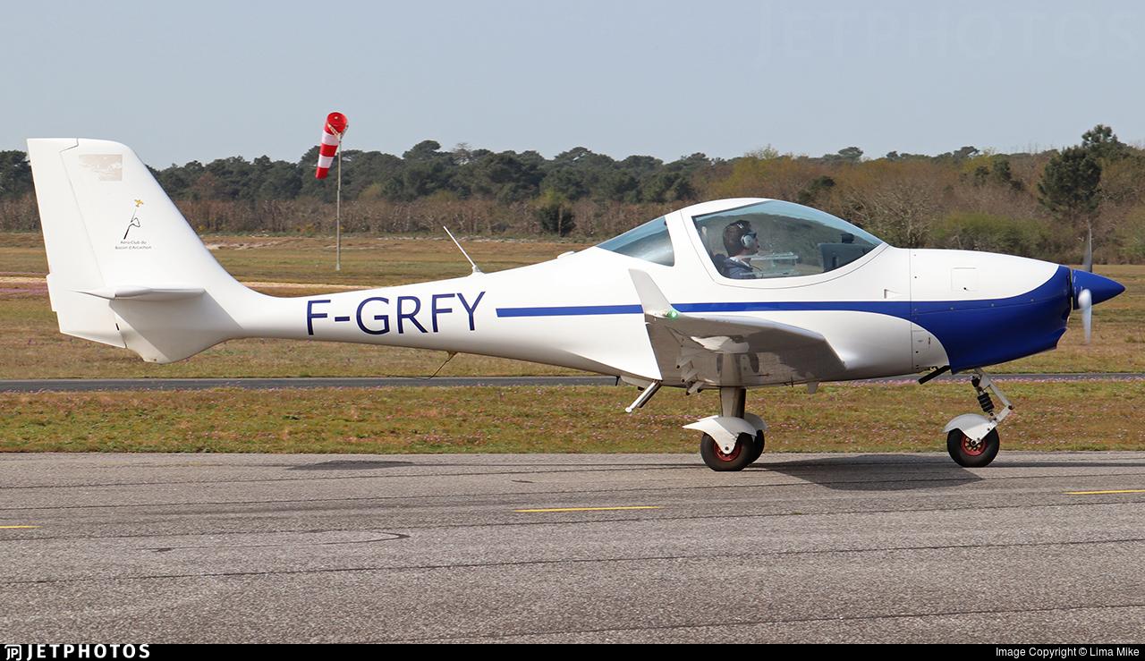 F-GRFY - Aquila AT01 - Private
