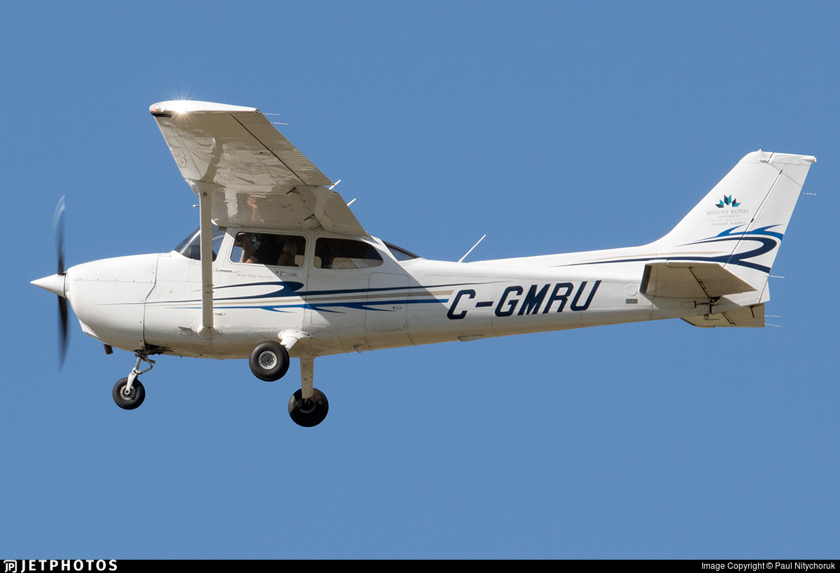 C-GMRU - Cessna 172R Skyhawk II - Mount Royal University