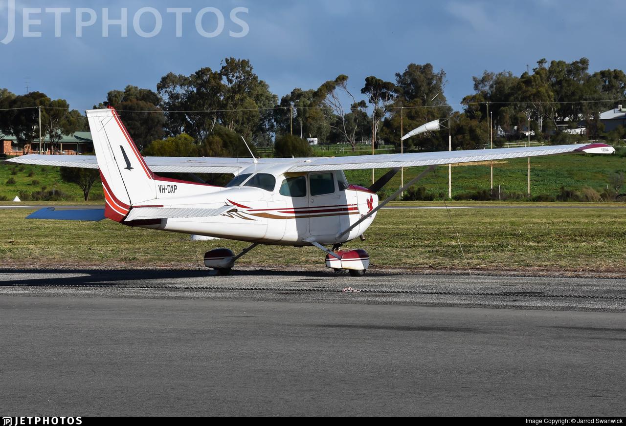 VH-DXP - Cessna 172M Skyhawk II - Private