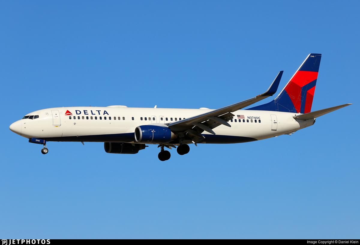N3740C - Boeing 737-832 - Delta Air Lines