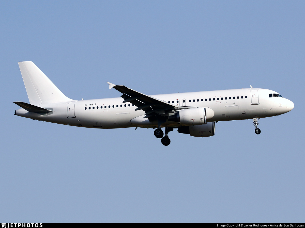 9H-SLJ - Airbus A320-214 - SmartLynx Malta