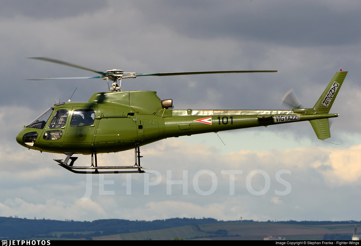 101 - Aérospatiale AS 350B Ecureuil - Hungary - Air Force