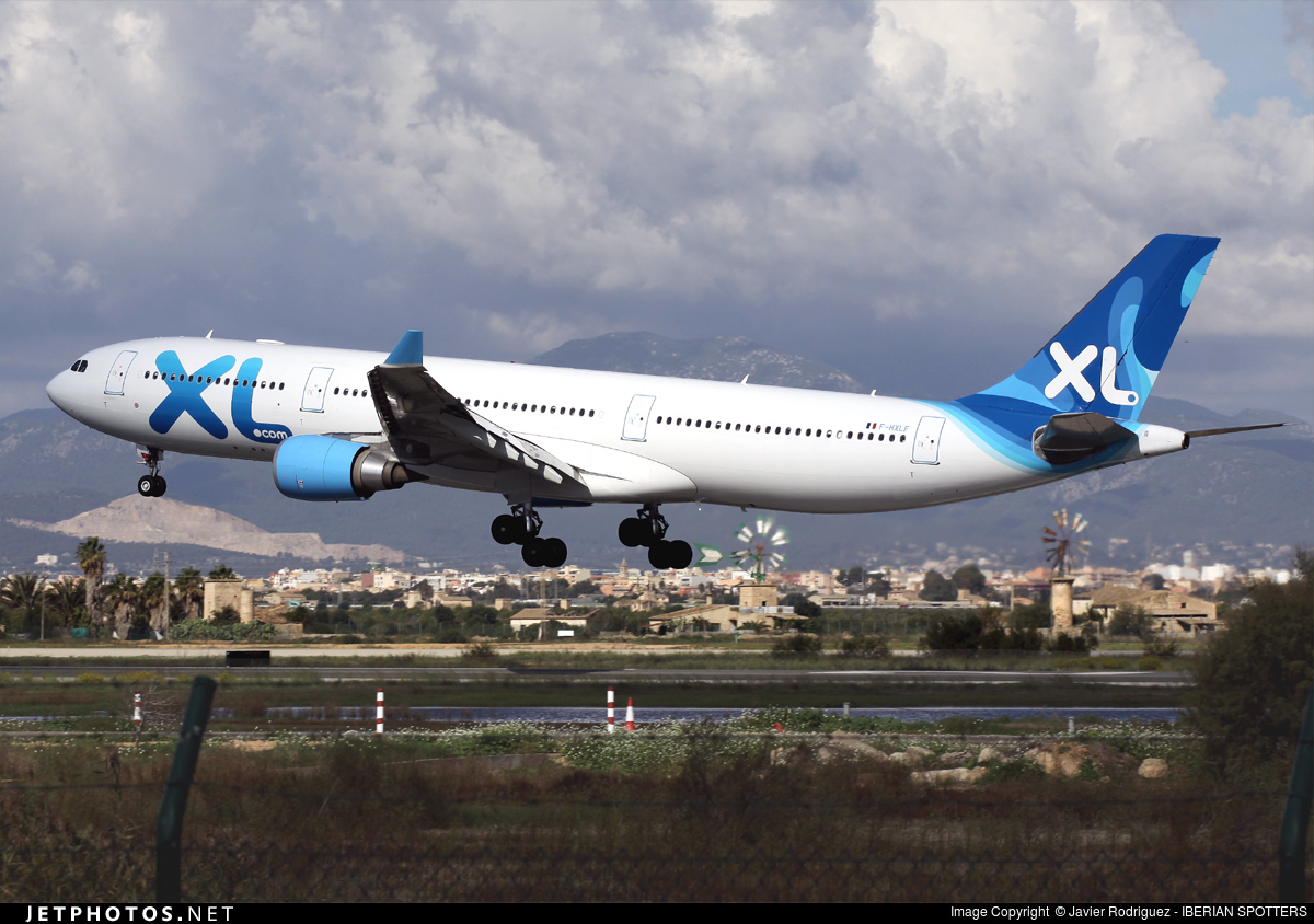 F hxlf airbus a330 303 xl airways france javier for Airbus a330 xl airways interieur