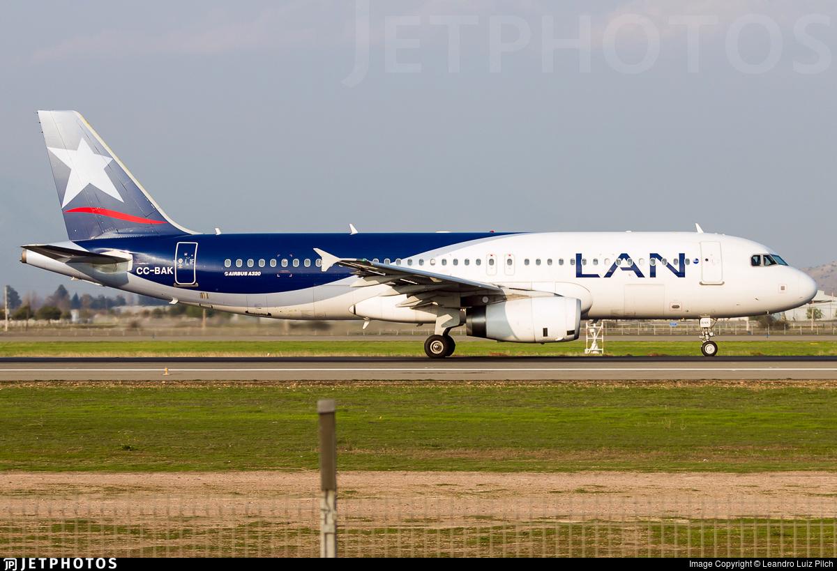 CC-BAK - Airbus A320-233 - LAN Airlines