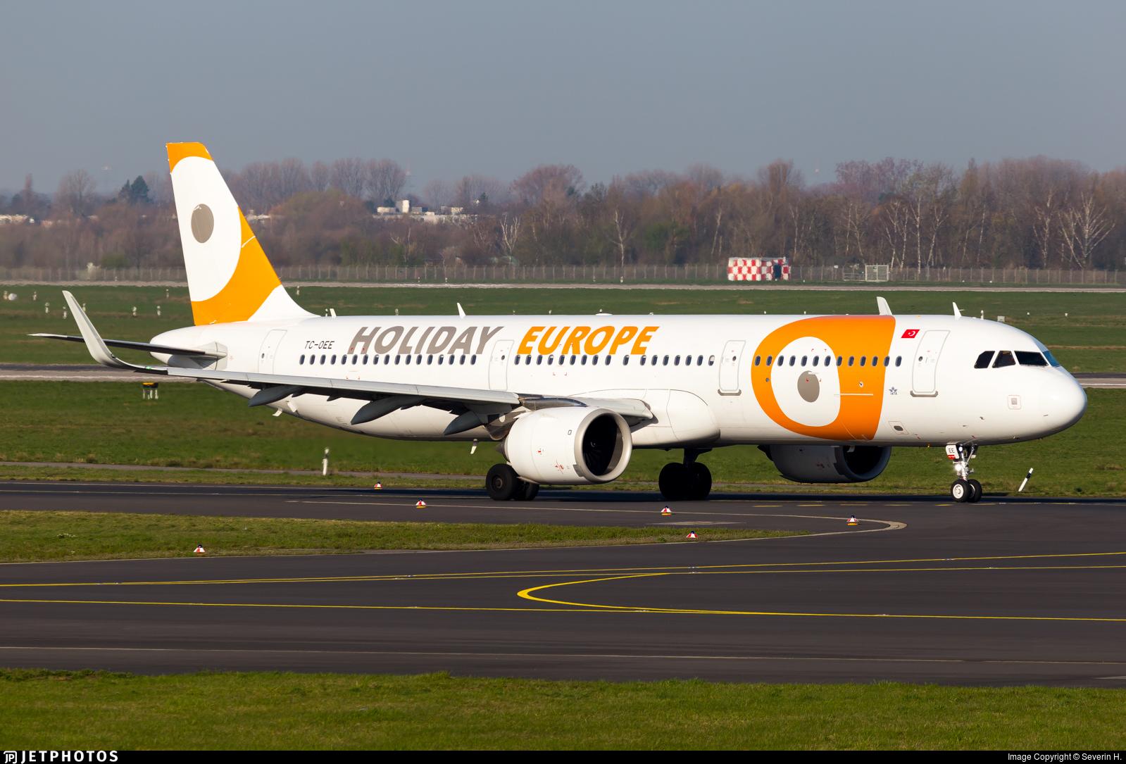 TC-OEE - Airbus A321-253N - Holiday Europe (Onur Air)