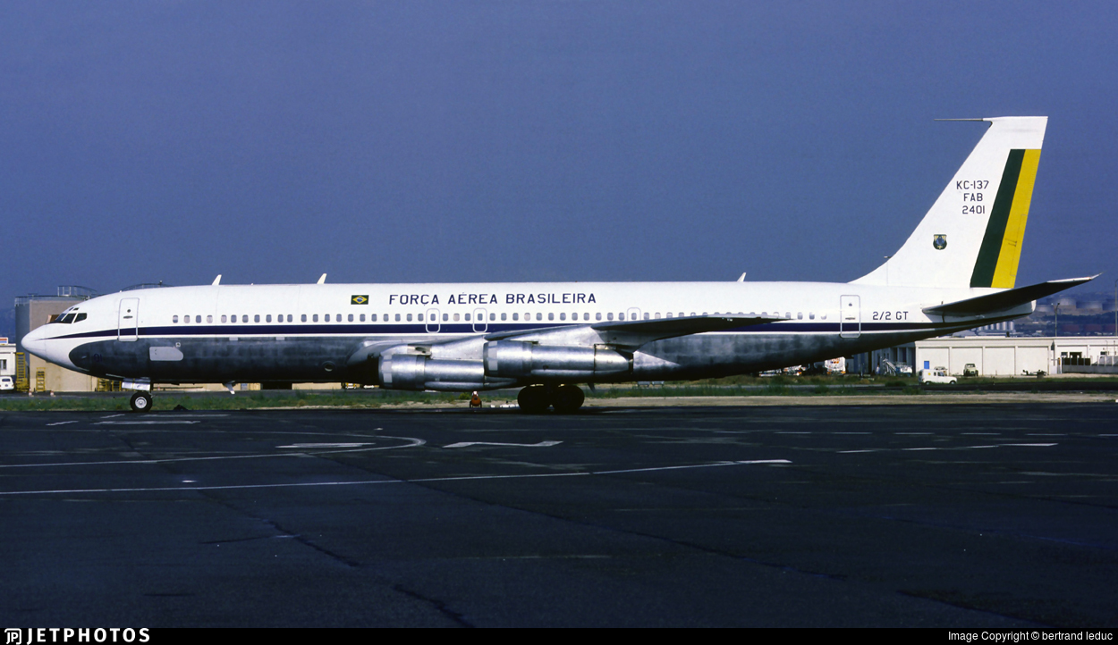2401 - Boeing 707-345C - Brazil - Air Force