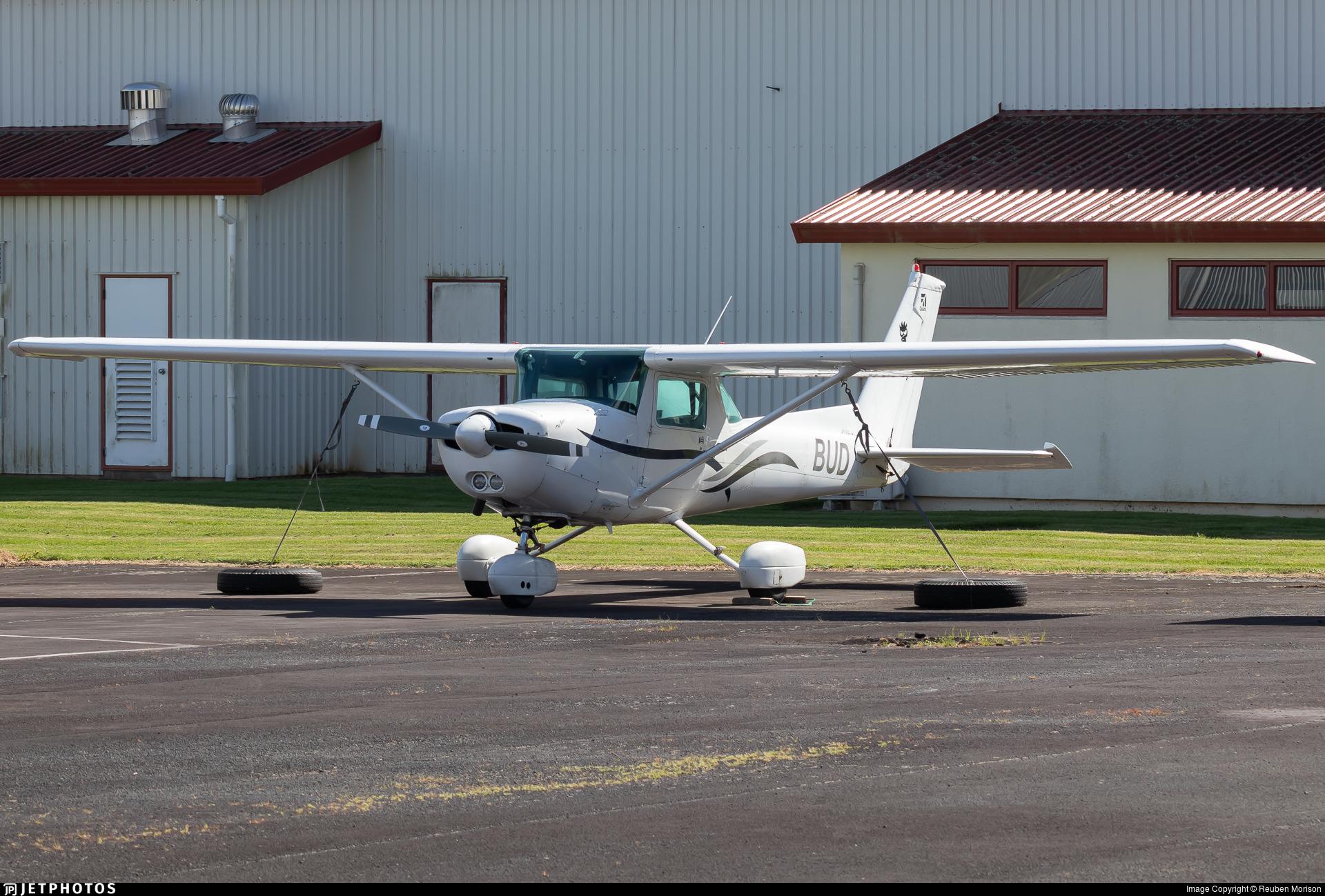 ZK-BUD - Cessna 152 - Private