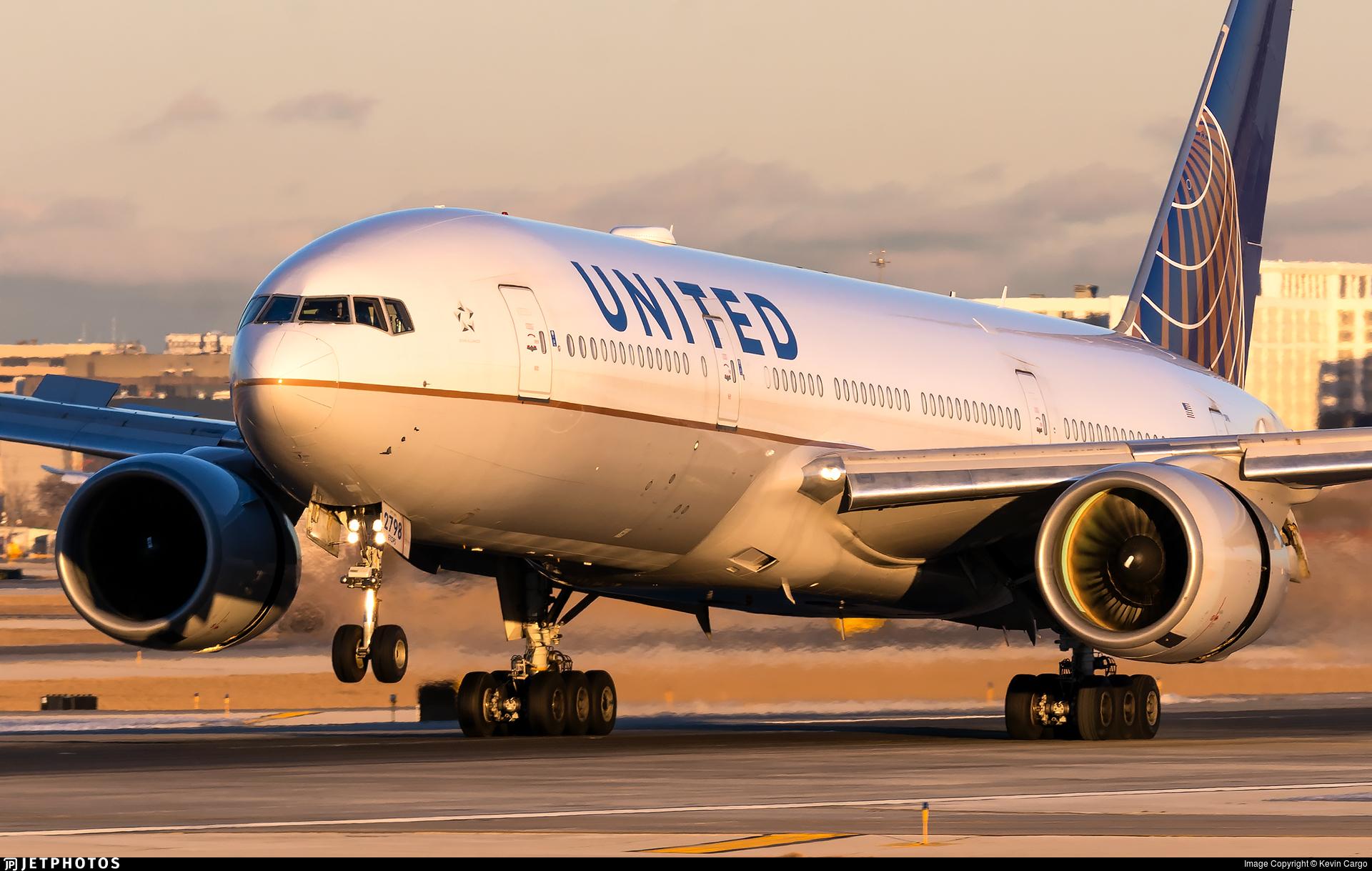 N798UA - Boeing 777-222(ER) - United Airlines