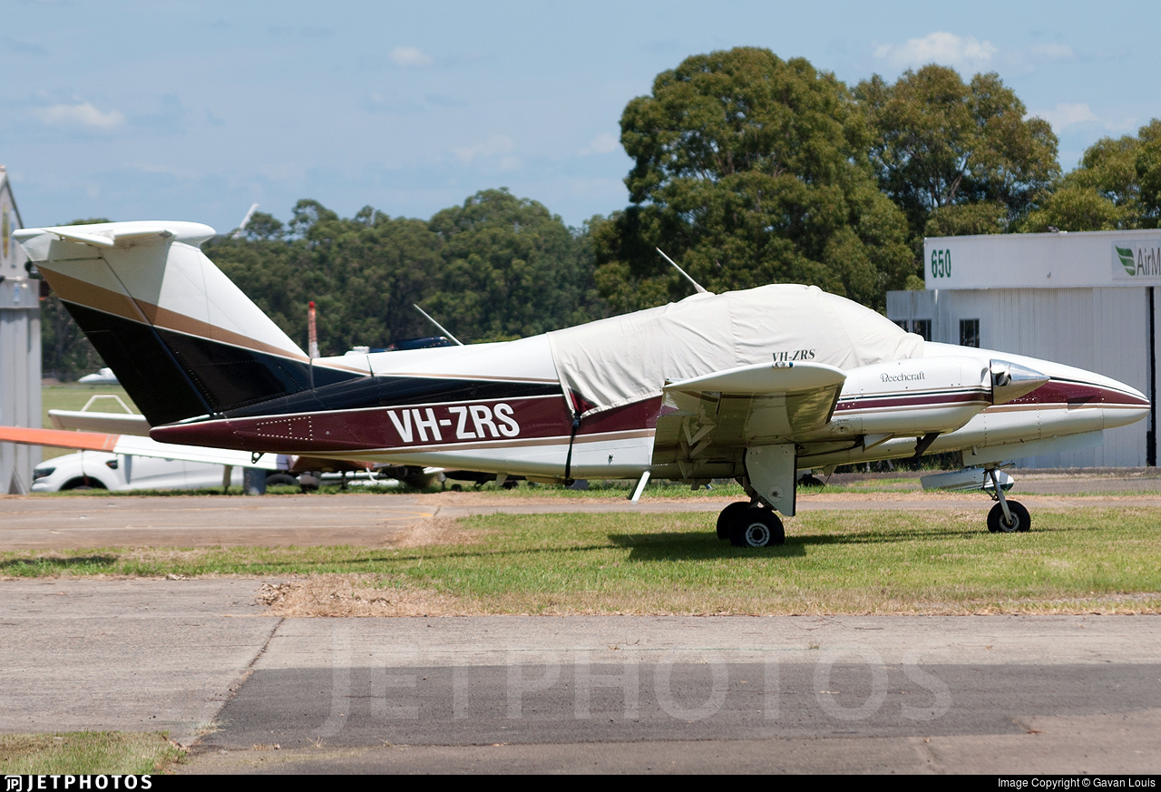 VH-ZRS - Beechcraft 76 Duchess - Private
