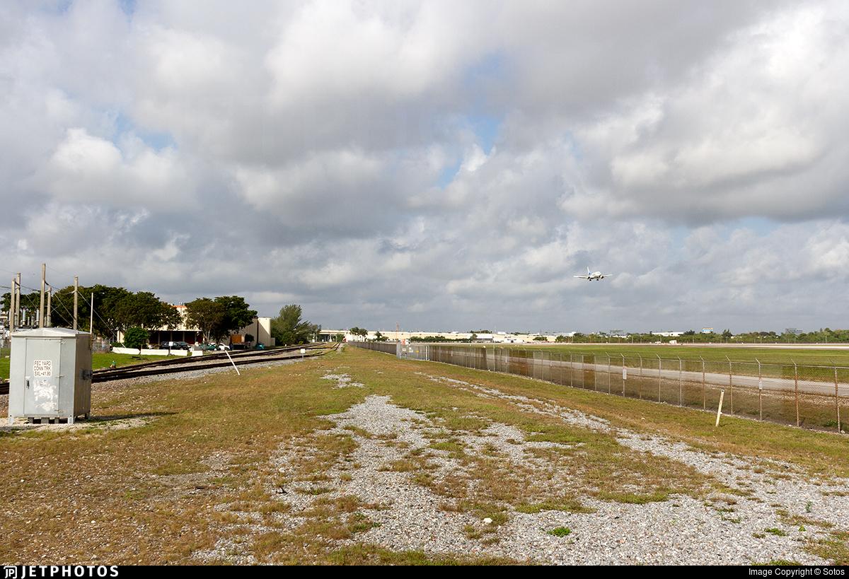 KMIA - Airport - Spotting Location
