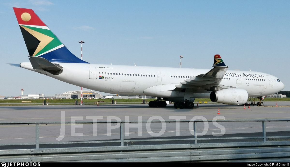 ZS-SXW - Airbus A330-243 - South African Airways